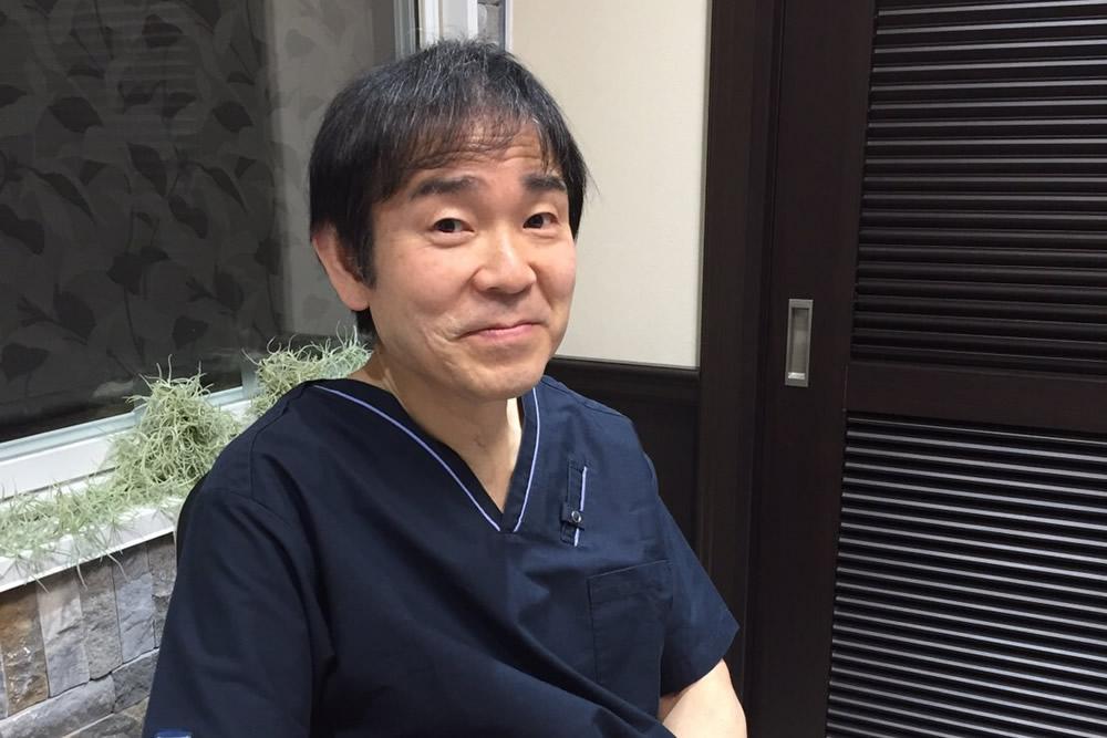 土佐Dr/難易度の高い皮膚癌から精密な美容手術まで正確な手技と卓越した知識で手術部門を担当。